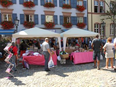 flohmarkt auf dem augustinerplatz am megasamstag 7 mai 2016 bettenhaus stiegeler freiburg i br. Black Bedroom Furniture Sets. Home Design Ideas